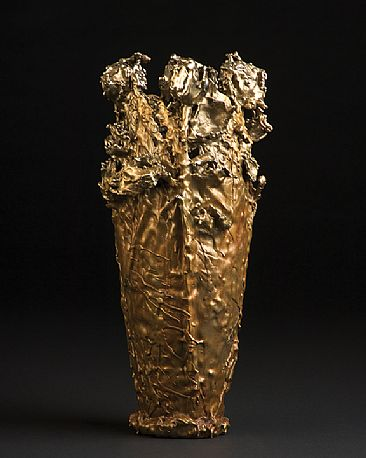 LA BELLA SAVANNAH - BRONZE VASE   by Reggie Correll